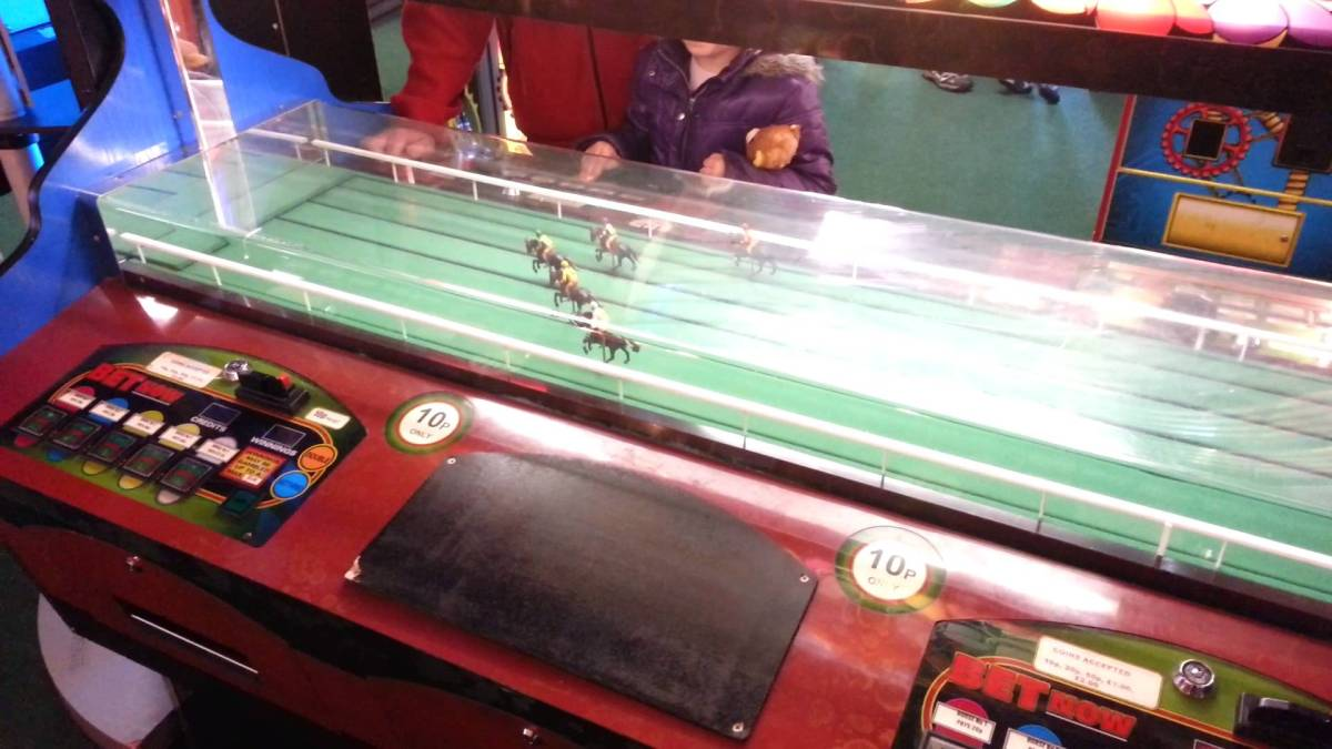 Chinese Betting Syndicate Exposed After Brighton Pier Horse Racing Fix